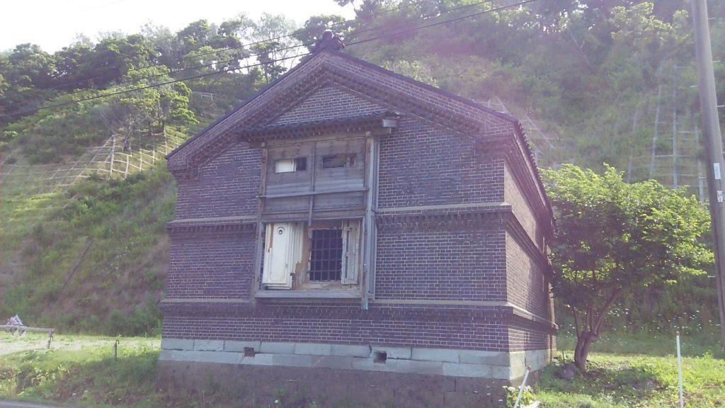 小西正尚が10歳まで暮らしたレンガの家